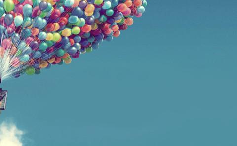 27 - Volare attaccato a dei palloncini