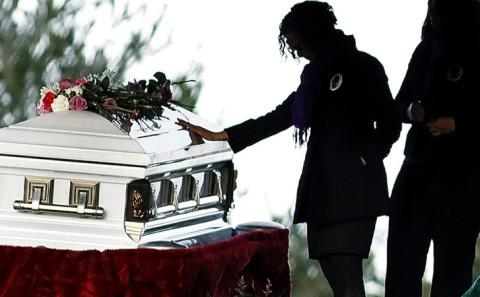 Assistere al proprio funerale